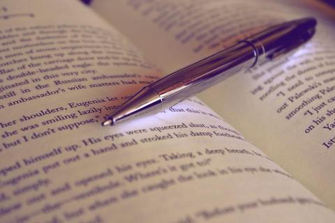 كيف تحترف الكتابة باللغة الإنجليزية مع هذه الادوات؟