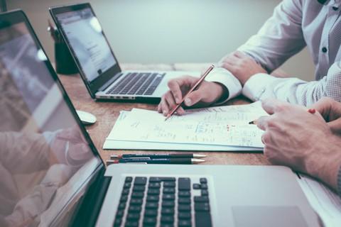 خطة شهرية لإدارة صفحات السوشيال ميديا